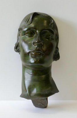 1920 Retrato de mujer. Bronce